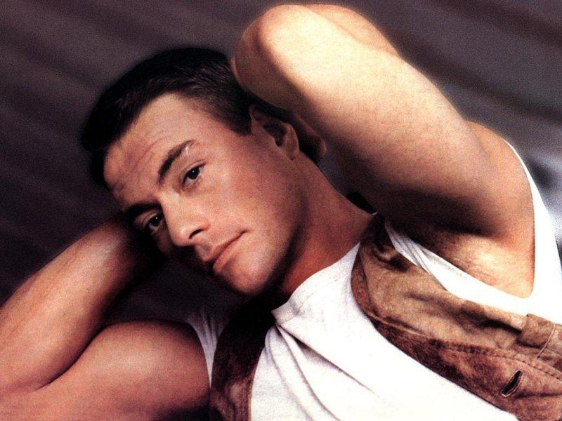 Jean Claude Van Damme (800x600 - 87 KB)