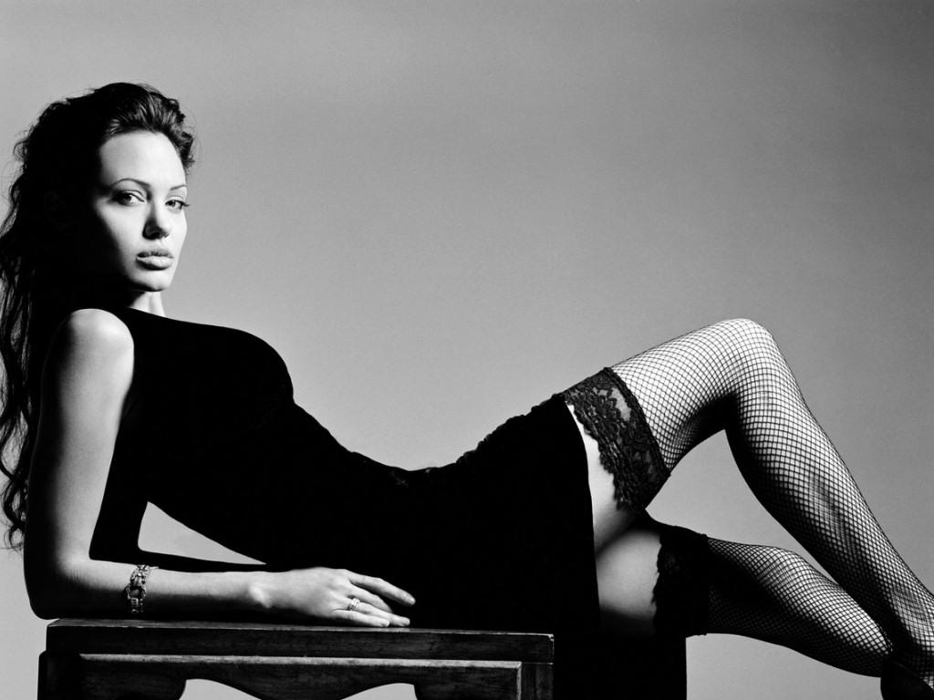 Angelina Jolie (1024x768 - 138 KB)