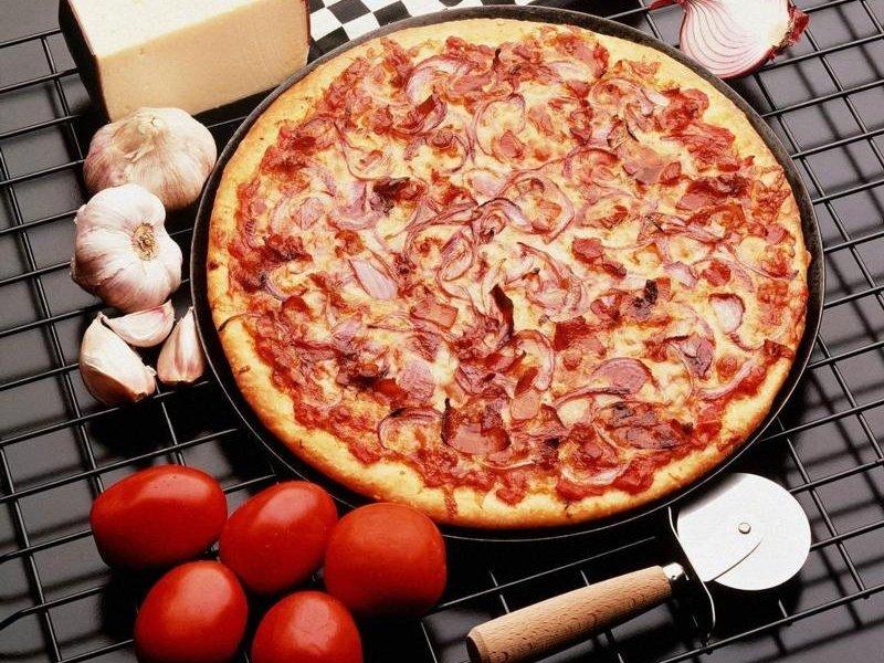 Pizza (800x600 - 146 KB)