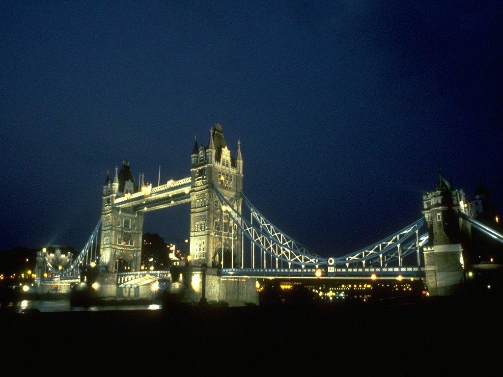 Tower Bridge (1024x768 - 117 KB)