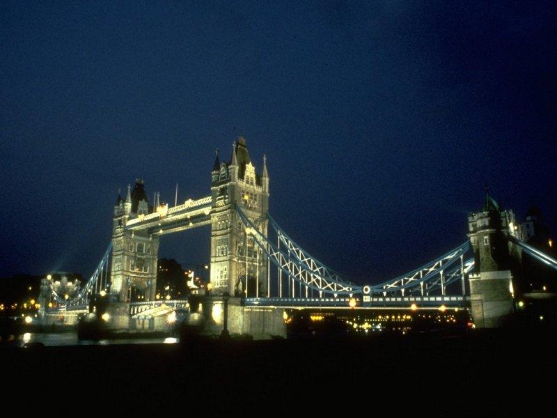 Tower Bridge (800x600 - 64 KB)