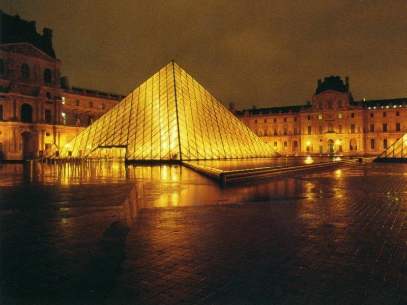 Louvre (800x600 - 81 KB)