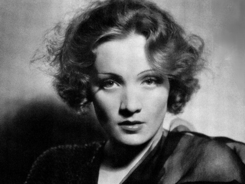 Marlene Dietrich (800x600 - 71 KB)