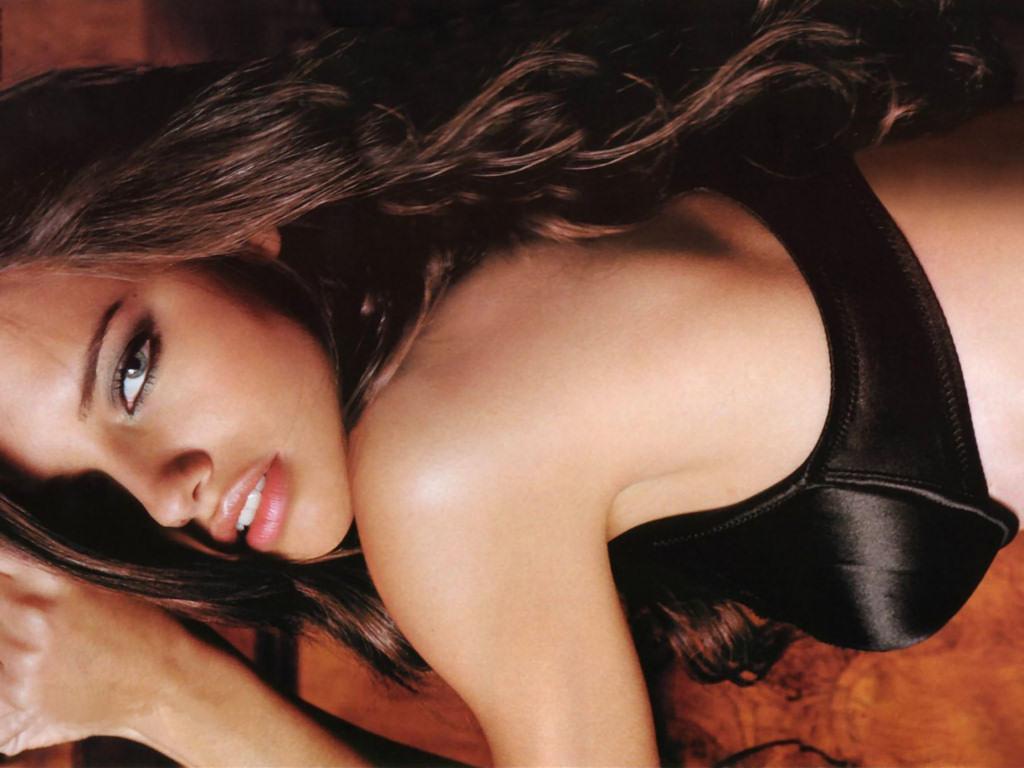 Adriana Lima (1024x768 - 151 KB)