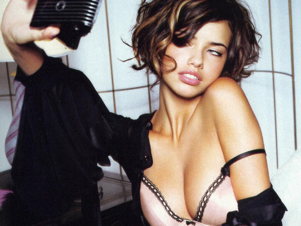Adriana Lima (1024x768 - 276 KB)