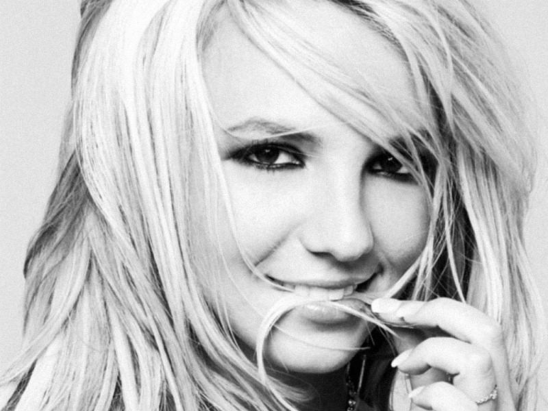 Britney Spears (800x600 - 150 KB)