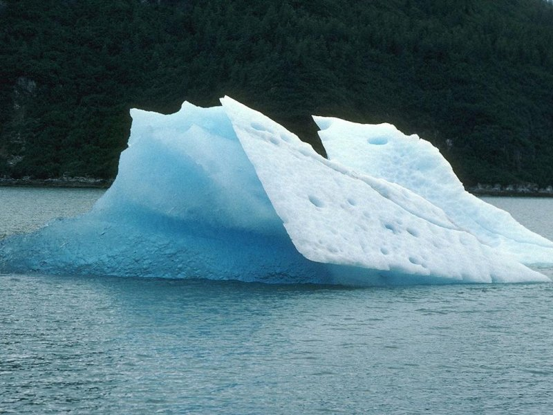Iceberg (800x600 - 99 KB)