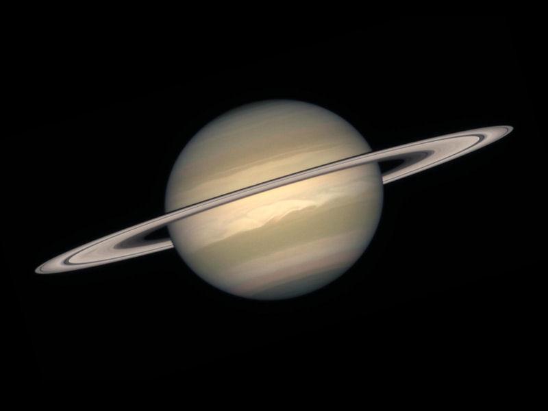 Saturno (800x600 - 26 KB)