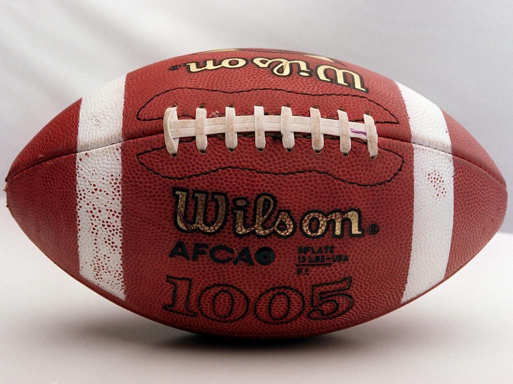 Football (1024x768 - 362 KB)