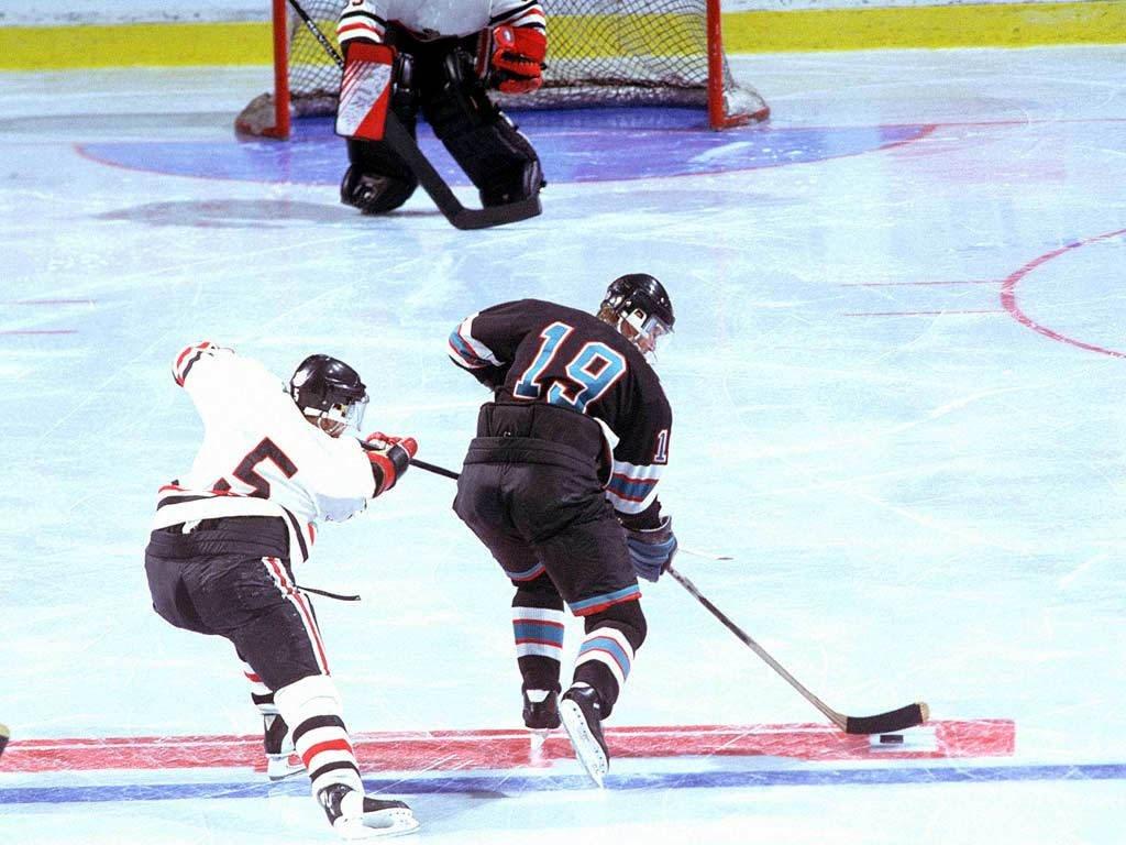 Hockey su ghiaccio (1024x768 - 138 KB)