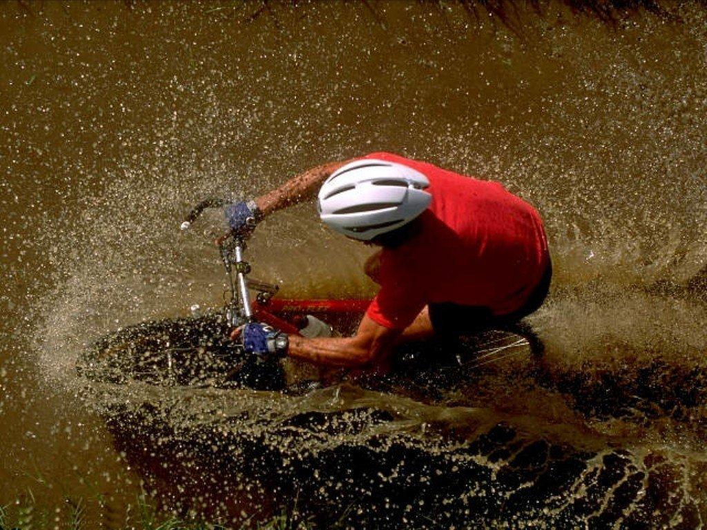 Mountain bike (1024x768 - 213 KB)