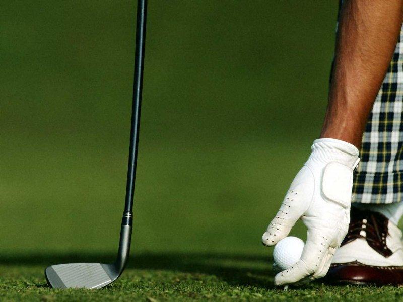 Golf (800x600 - 67 KB)