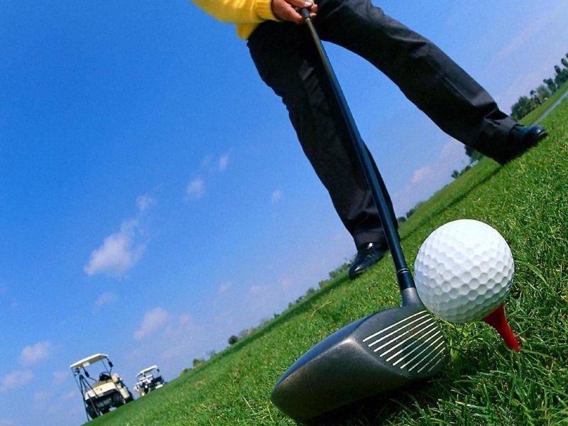 Golf (800x600 - 87 KB)