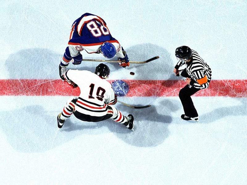 Hockey su ghiaccio (800x600 - 114 KB)