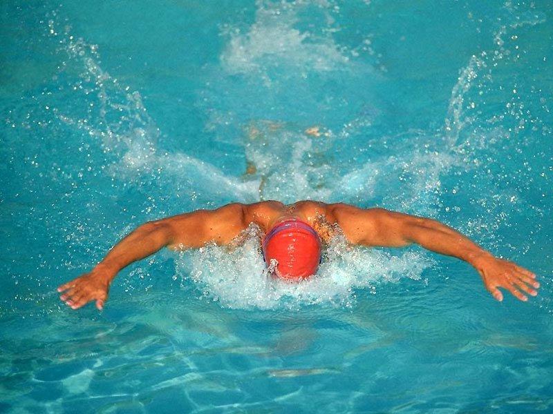 Nuoto (800x600 - 107 KB)