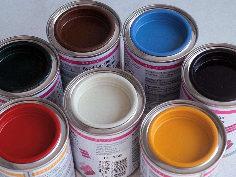 Barattoli di vernice (800x600 - 165 KB)